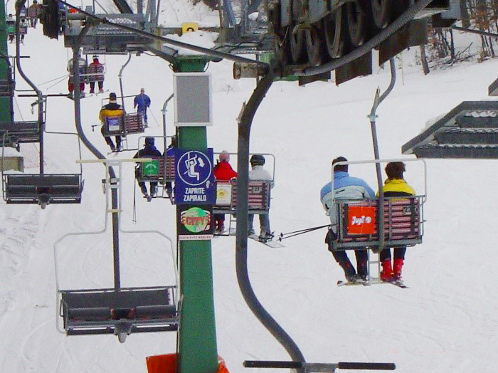 Advertising at ski resorts | Sms Marketing d.o.o. | Advertisement on a pillar