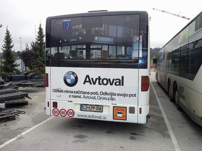 Oglaševanje na avtobusih | Sms Marketing d.o.o. | Oglas na zadnjem delu avtobusa - Avtoval