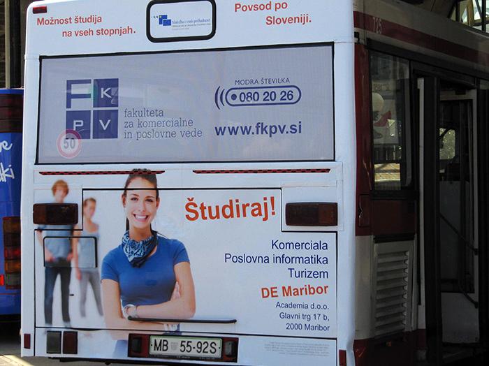 Oglaševanje na avtobusih | Sms Marketing d.o.o. | Oglas na zadnjem delu avtobusa - Fkpv