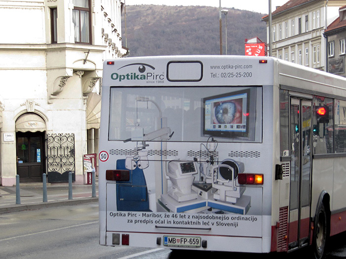 Advertising on busses in Slovenia | Sms Marketing d.o.o. | Advertisement on the back side of the bus - Optika Pirc Maribor