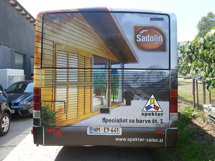 Werbung an Bussen | Sms Marketing d.o.o. | Werbung am hinteren Teil des Busses – Spekter