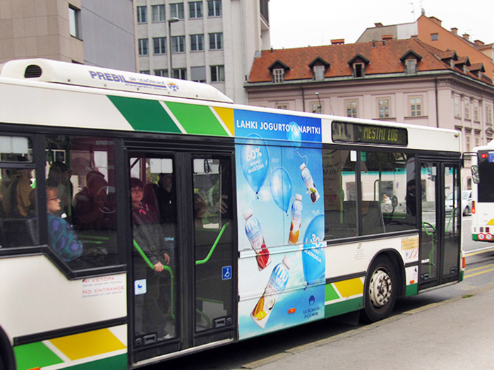 Advertising on buses in Slovenia | Sms Marketing d.o.o. | Advertisement on the right side of the bus - Ljubljanske mlekarne