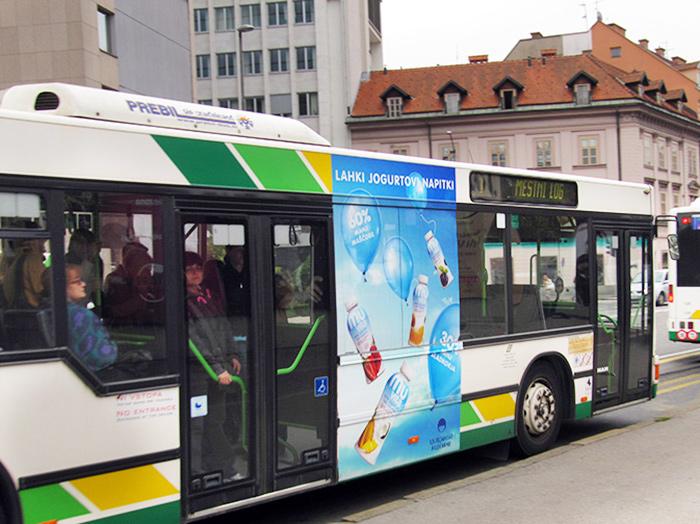 Oglaševanje na avtobusih | Sms Marketing d.o.o. | Oglas na desni strani avtobusa - Ljubljanske mlekarne