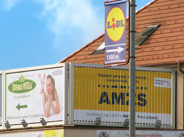 Advertising on outdoor advertising surfaces | Sms Marketing d.o.o. | Advertisement on a rotating panel